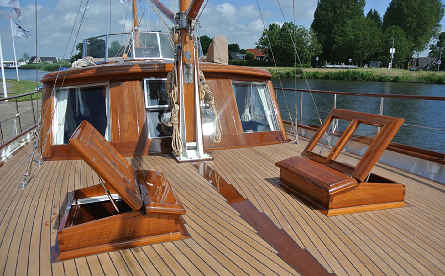 "1974 Custom Lunstroo 56 ""Estromon"" 17m front deck"
